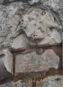 Armes de Jean de Berry. Poitiers, enceinte urbaine, remparts méridionaux (boulevard sous Blossac).