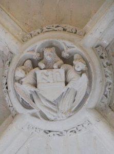Clef de voûte aux armes de Charles de Norroy. Targé, église Saint-Gerorges, chœur.